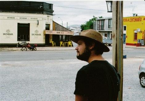 El padre de Gabriel Delacoste le sugirió que si viajaba a Melo debía usar un sombrero